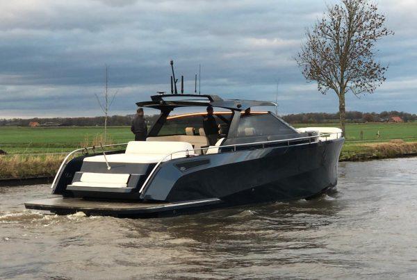 Technische installatie cruiser Steeler Yachts